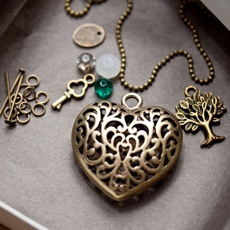 Bijou en métal de bronze