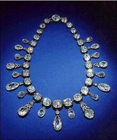 La parure de bijoux de l'impératrice Marie Louise, femme de Napoléon
