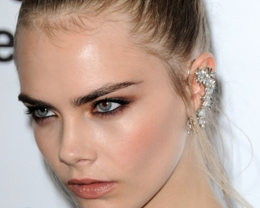 Ear-cuff, Chanel