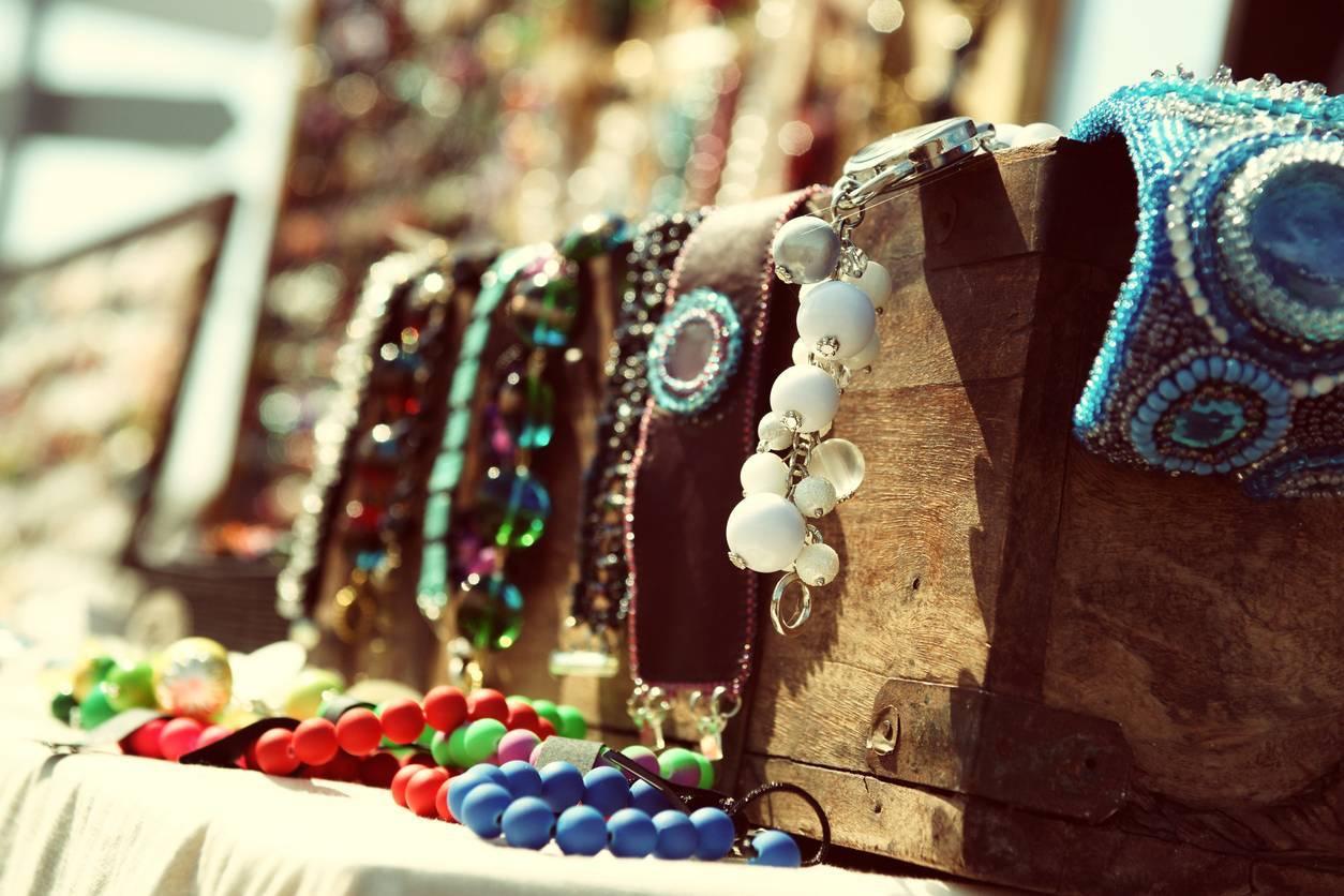 Bijoux fantaisie, créateur